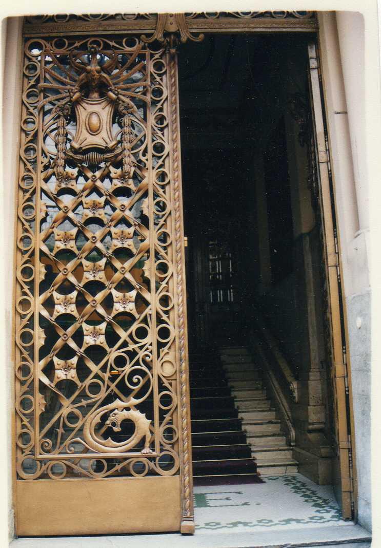 puerta-club-espaniol