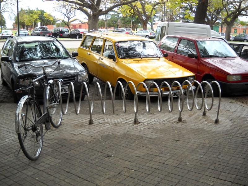"""""""Bicicletero Colegio Arquitectos"""""""