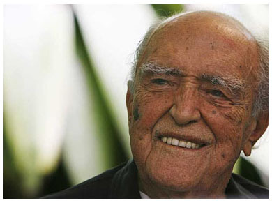 """Oscar Niemeyer fallece"""