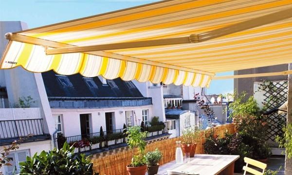 Fotos de cornisas balcones terrazas o aleros reparaci n de for Mobiliario para balcones