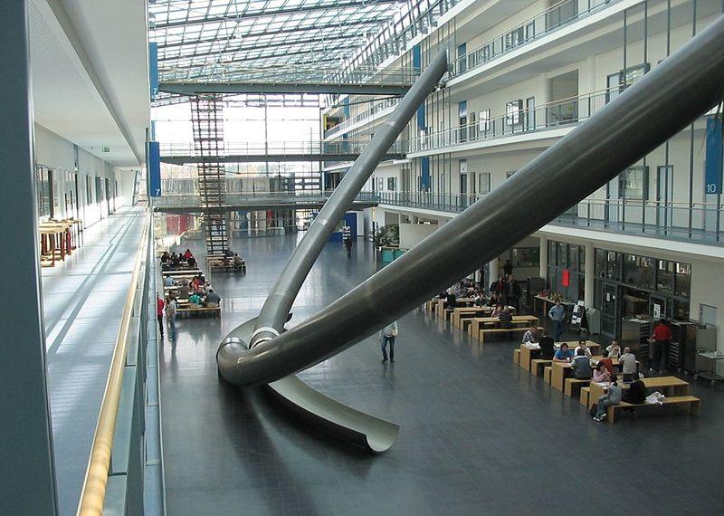Universidad de Munich tobogan