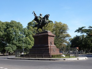 Z Monumento a Manuel Belgrano Bv. Oroño y Av. Lugones escultor Arnaldo Zocchi 1928