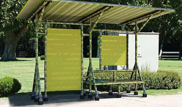 Paradas de colectivos de bamb en tigre arquitectura de for Mobiliario urbano contemporaneo
