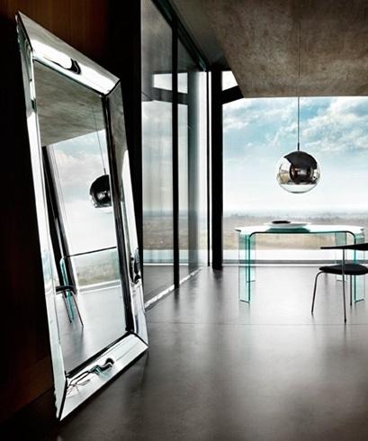 espejo caadre dise o de philippe starck arquitectura de. Black Bedroom Furniture Sets. Home Design Ideas