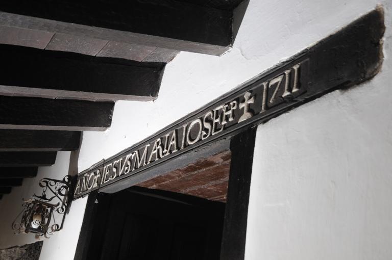 03-casa-de-los-aldao-balcon-restaurado-y-dintel