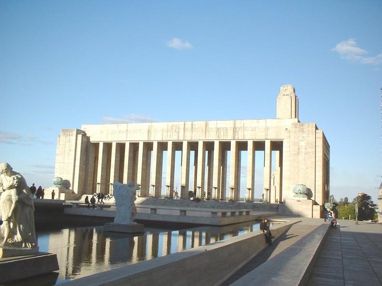monumento-a-la-bandera-propileo