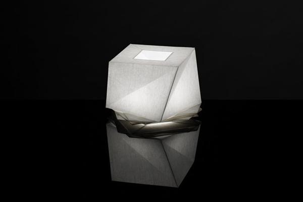 in-ei-i-miyake-y-e-gismondi-artemide-2012-4