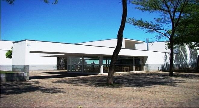 Centro municipal distrito sur rosa ziperovich rosario for Arquitectura rosario